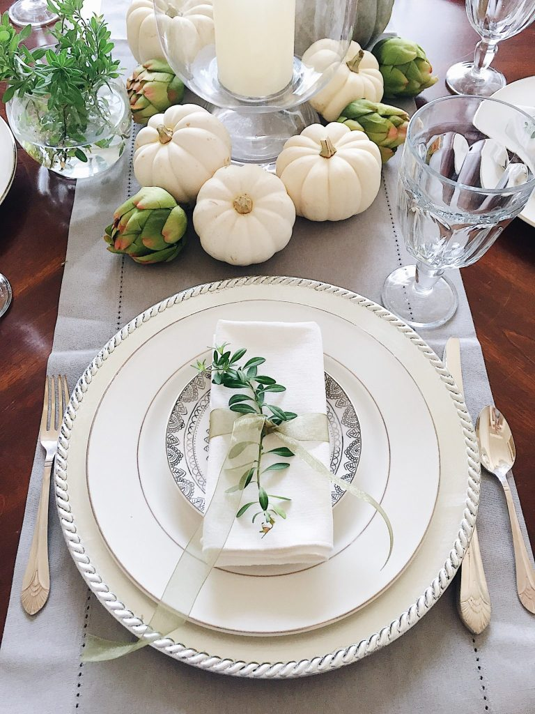 Beautifully simple Thanksgiving table setting ideas