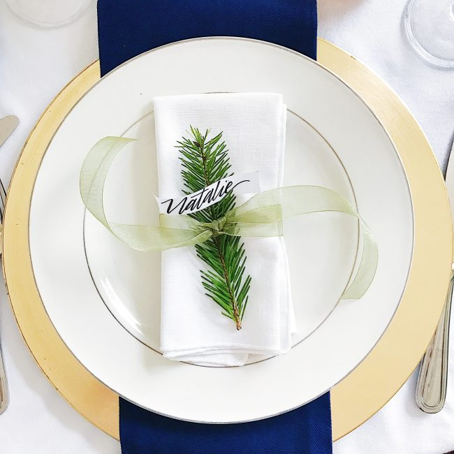 25 Beautiful Christmas and Holiday Table Setting Ideas