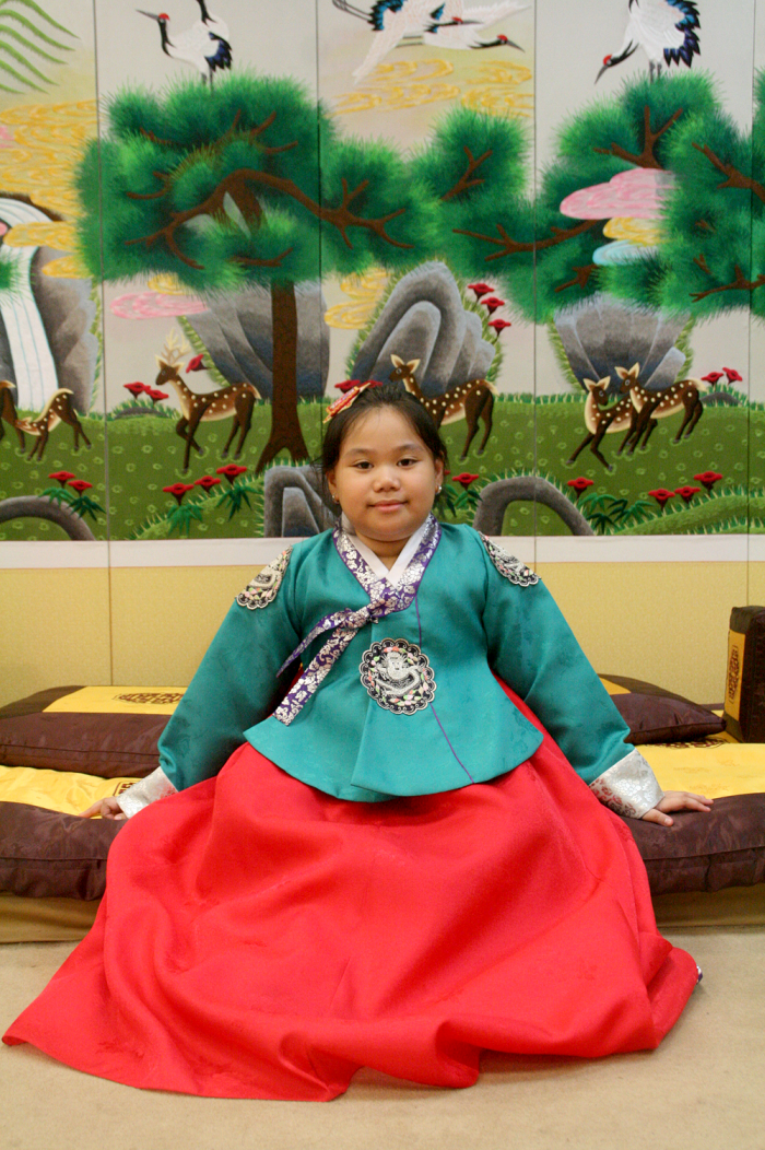 korea tourism office tourist information center - wear hanbok in seoul