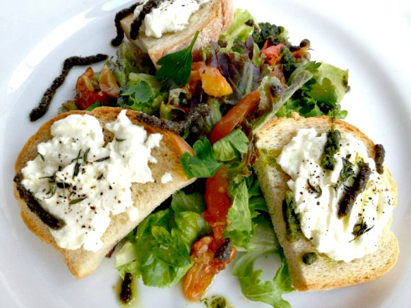 Salad with Warm Chevre (new).