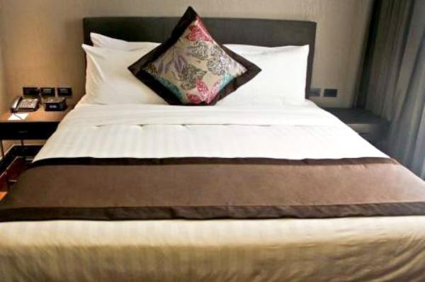 f1-hotel-manila-fort-suite-1