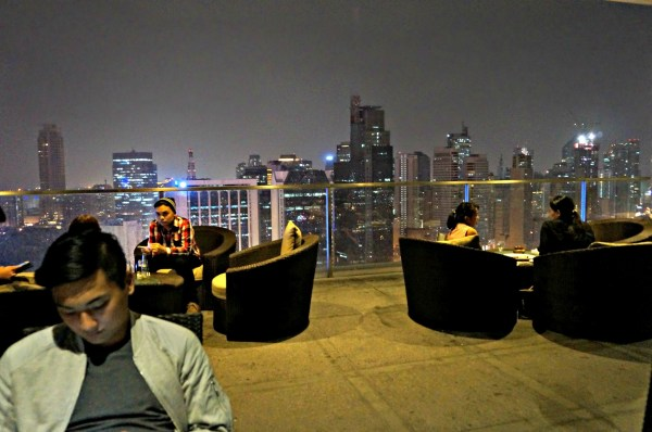 Firefly-Roof-Deck-Bar-City-Garden-Grand-Hotel-12
