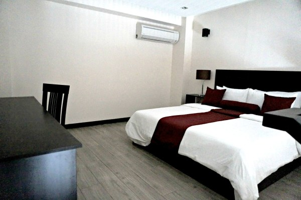 bauan-plaza-hotel-sombrero-island-59