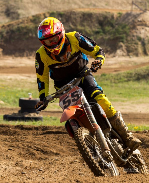 Motocross TB April-27