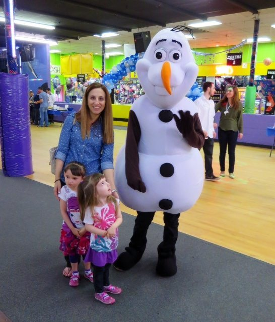 Meeting Olaf!!