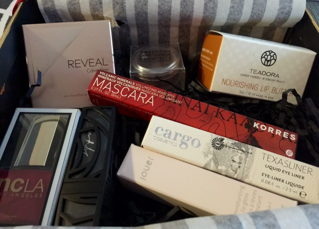 Holiday 2014 GLOSSYBOX Contents