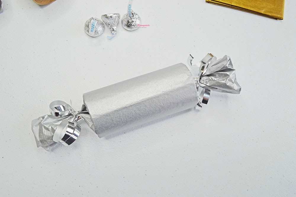 New Year's Eve Midnight Kisses Party Favor Step 5