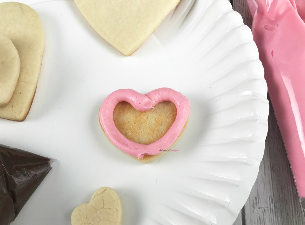 Step 2 Decorating Heart Shaped Valentine Stacked Cookies