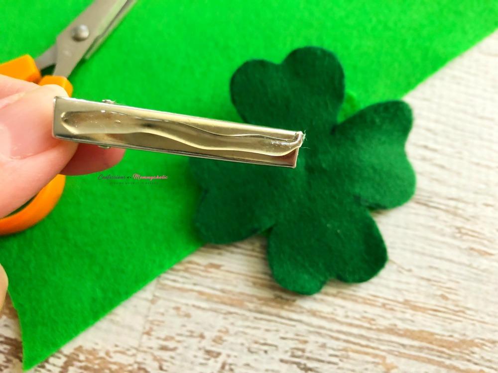 Four Leaf Clover Hair Clips Step 4