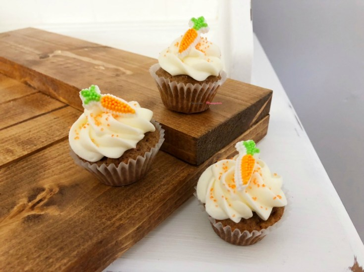 Mini Carrot Cake Cupcake with Cream Cheese Frosting Horizontal