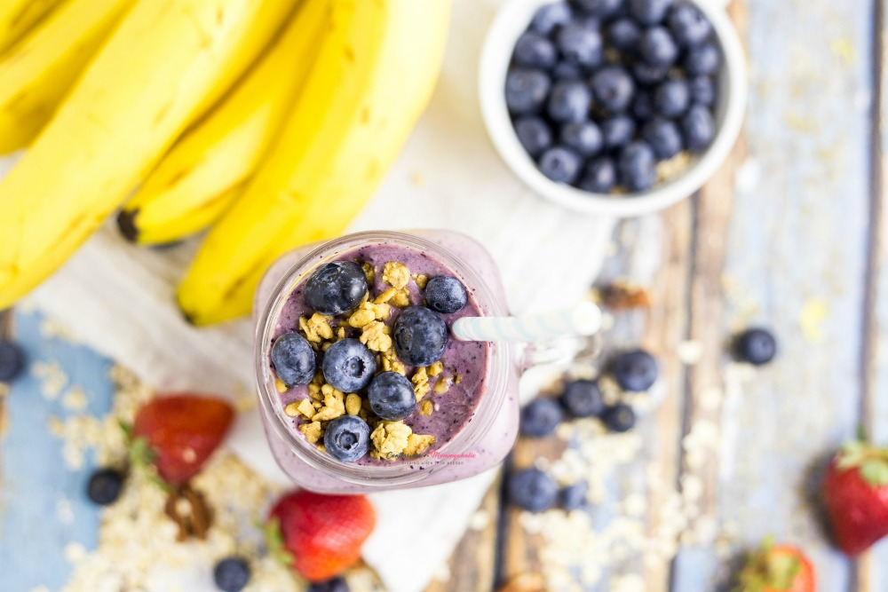 Blueberry Muffin Smoothie Horizontal 3