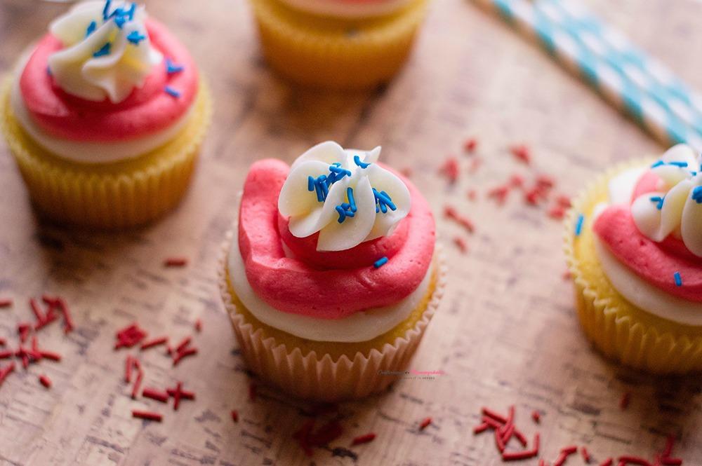 Patriotic Cupcakes Dessert Horizontal 1