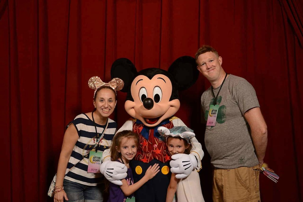 Mickey Mouse MK Summer 2018 Family