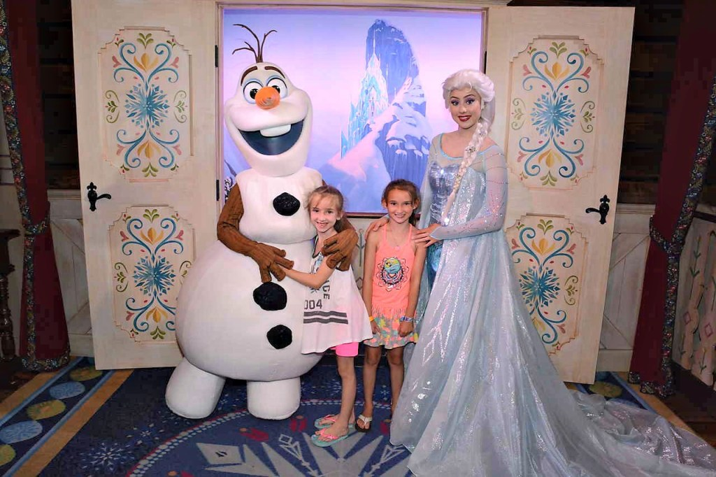 Walt Disney World Epcot DVC After Hours Event Meet and Greet with Frozen Elsa and Olaf in Norway