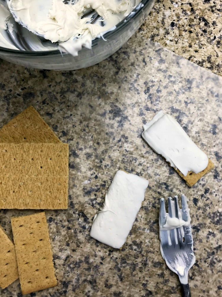 Graham Cracker Mummies Step 1