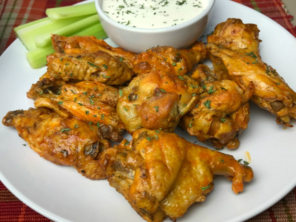 Instant Pot buffalo chicken wings Horizontal 1