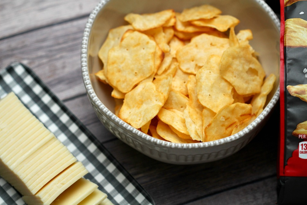 RITZ Crisp and Thins with Cheese