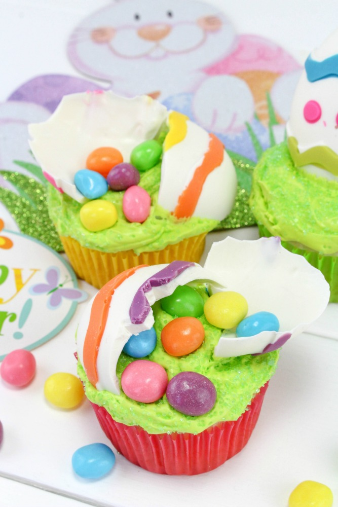 Cracked Easter Egg Cupcake Final 4