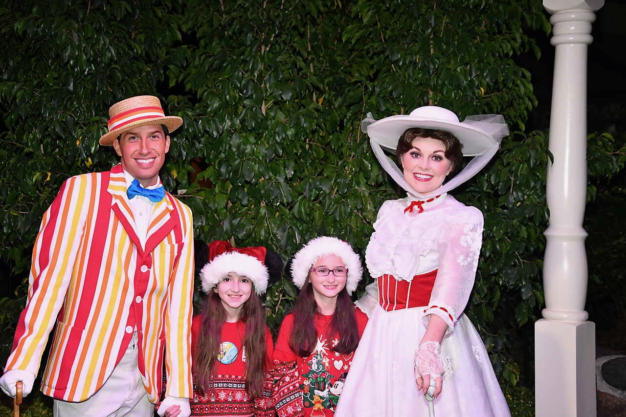 Mickey's Very Merry Christmas Party with Mary Poppins and Bert