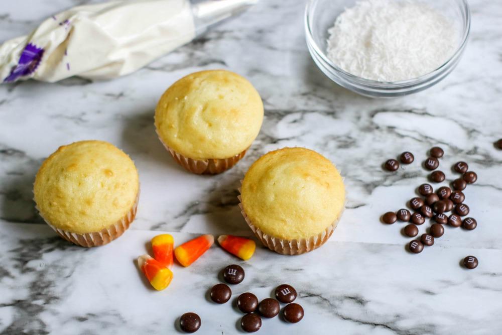Snowman Cupcakes Process 1