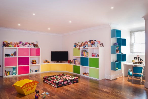 barbara-genda.com-polished-wood-floors-childs-room-white-walls-and-bright-color-accents-down-lit