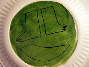 Draw parts for turtle on paper plate