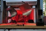 Stahlobjekte mit Licht und Sound