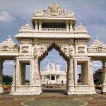 स्वामी विवेकानंद : जीवन और संदेश