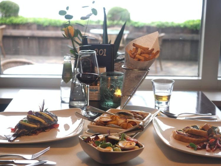 Ie Sicht restaurant aan het water in Friesland