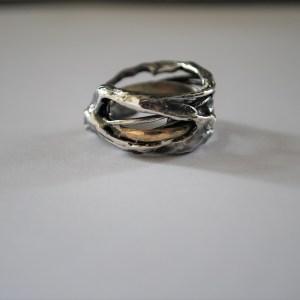 Oxyderet sølvring med 14 kt