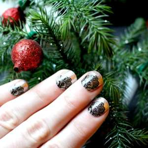 Top 10 Beauty Essentials Lace Sally Hansen Nail Stickers Happy Stylish Fit Lifestyle Beauty Fashion Blog