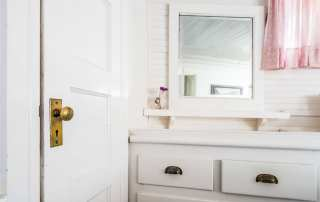Make your bathroom the top priority when preparing your guest room and home for house guests. Check out this and 9 other tips.