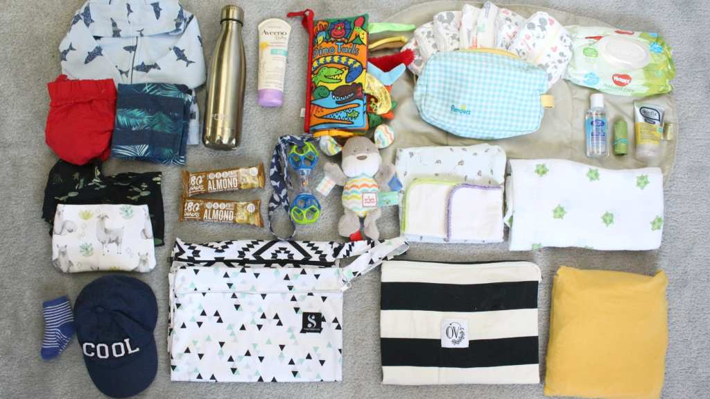 Learn what to pack in your diaper bag with these diaper bag must haves.