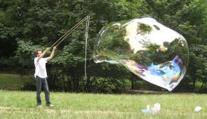 Giant_bubble from Wikimedia