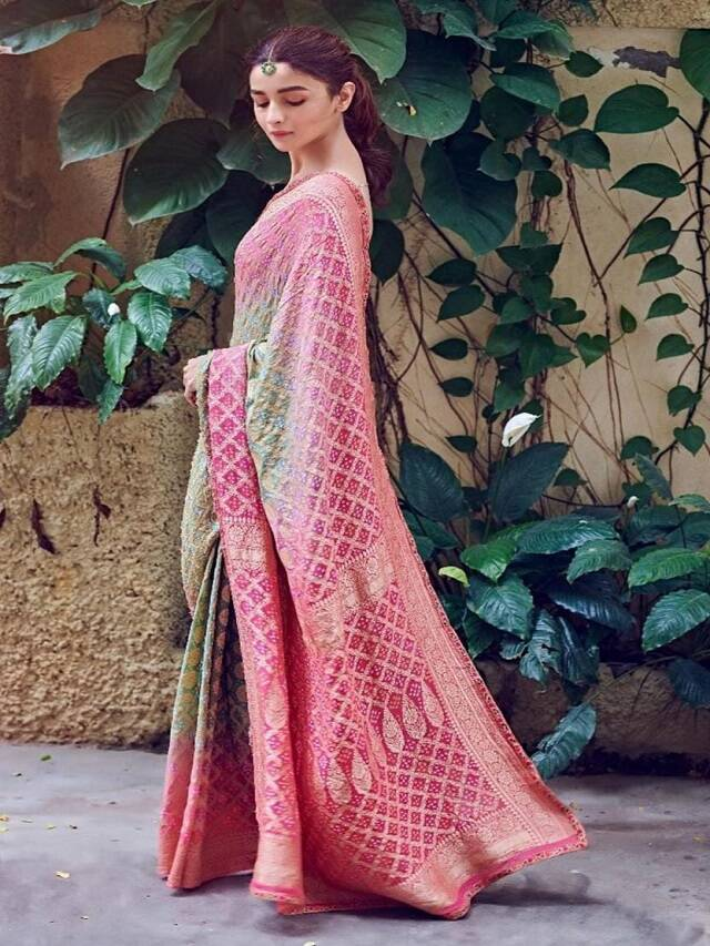 Navratri Special: 10 'Fall Sa' Looks Of Alia Bhatt