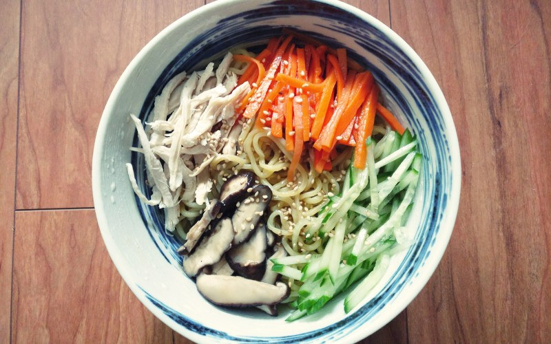 cold ramen noodle recipe - hiyashi chuka