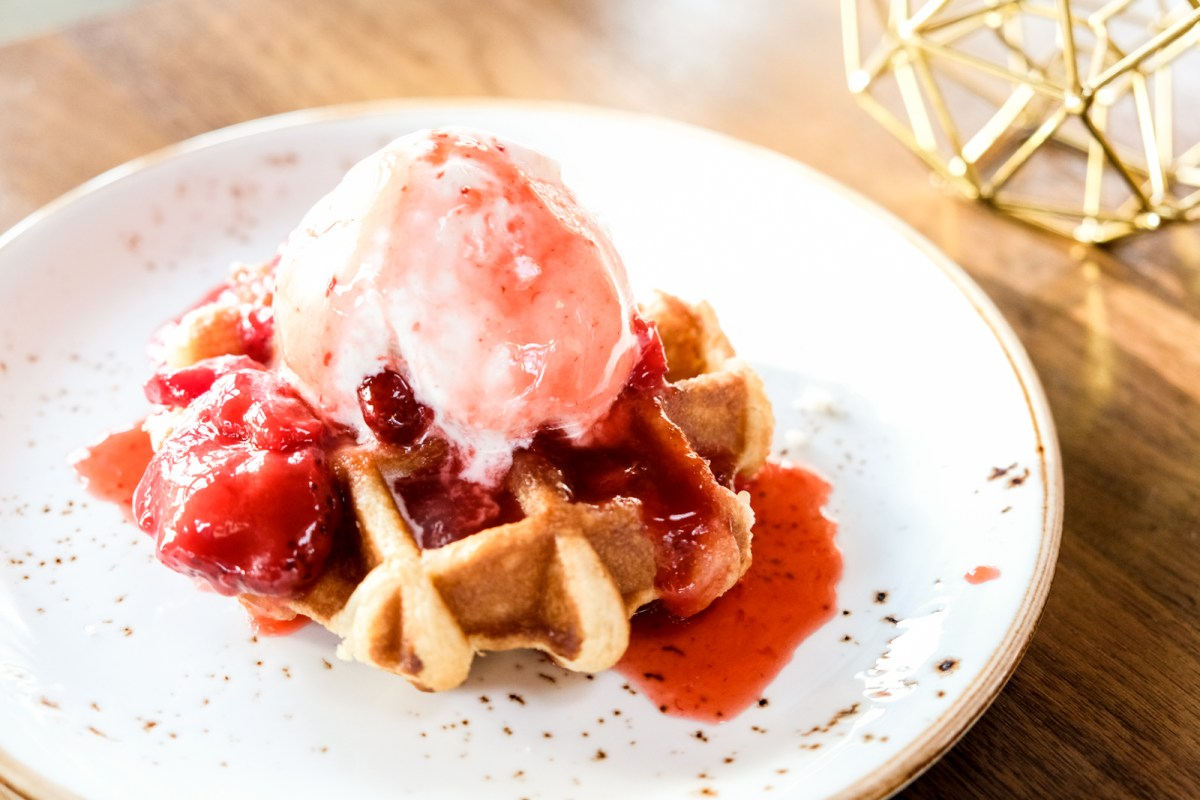 BBQ Dinner at Riverway Clubhouse Burnaby - Dessert Liege Waffle