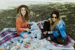 How to style a fall picnic