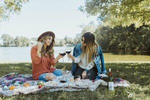 What to wear to a picnic in the park