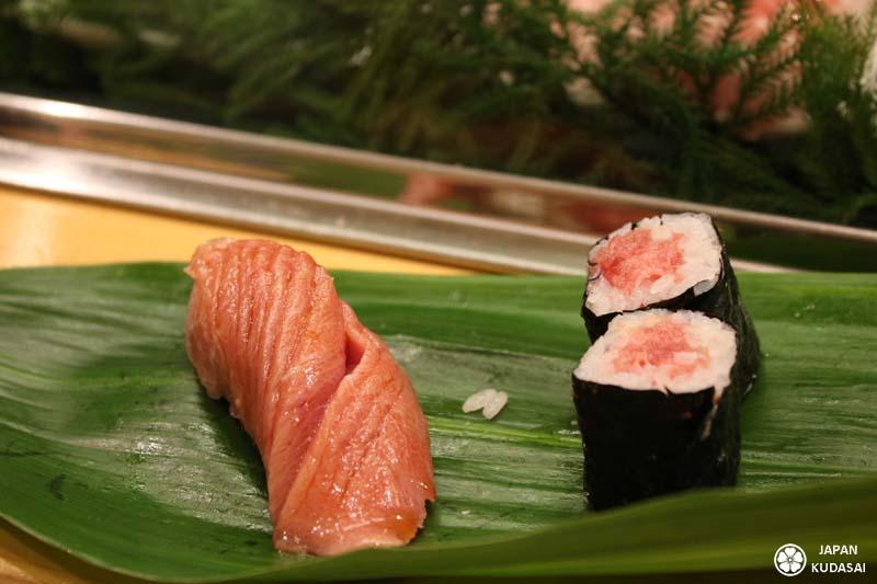 "Sushi et maki au ""fatty salmon"" - Saumon gras"