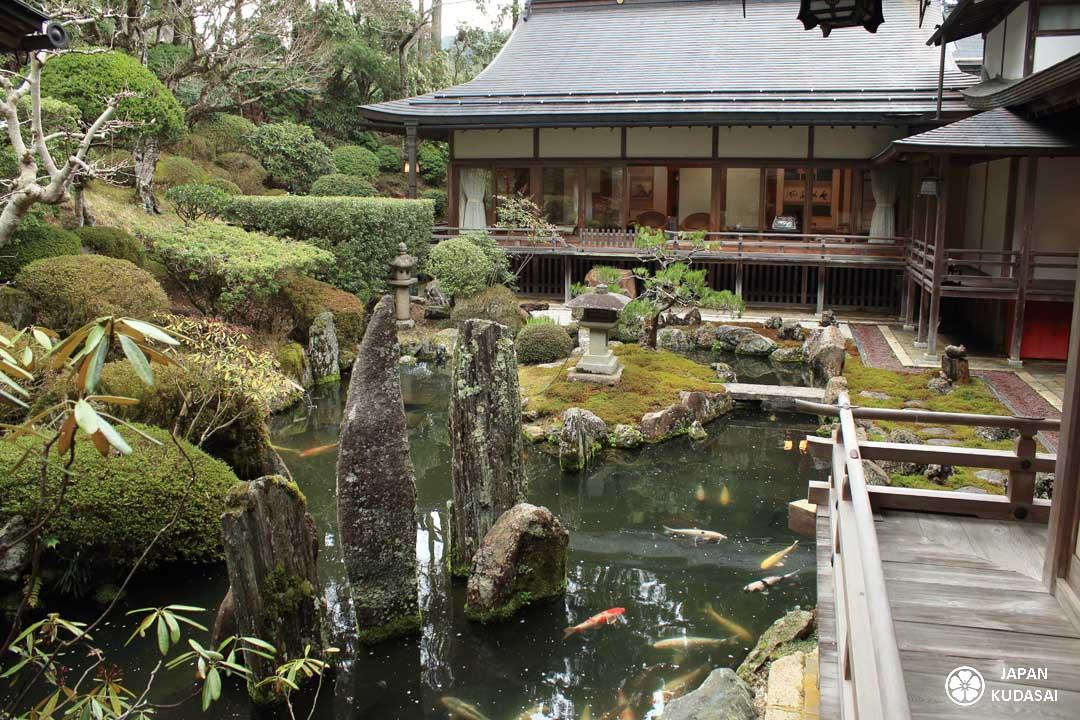koyasan et jardin zen des temples bouddhistes