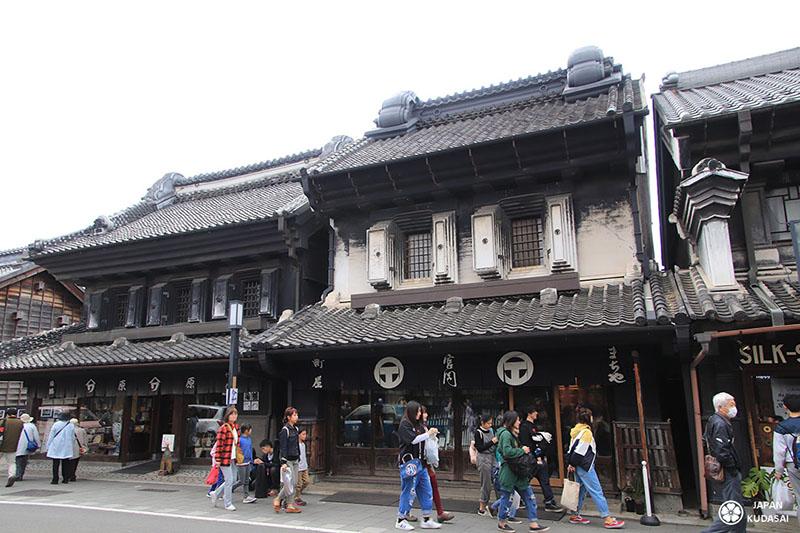 maison traditionnelle kawagoe rue principale