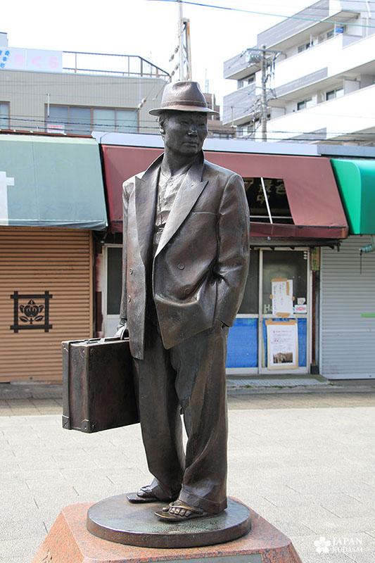 Statue de Tora-san, du film Otoko wa tsurai yo, Shibamata station
