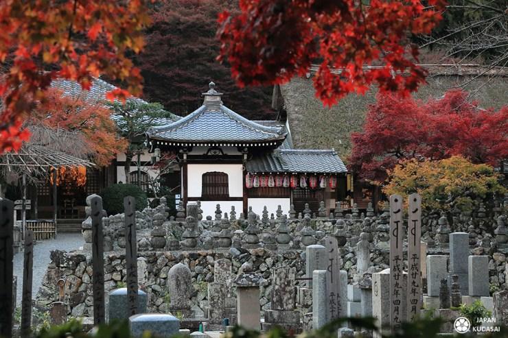 arashiyama nord adashino nenbutsu-ji temple sagano quartier nord kyoto