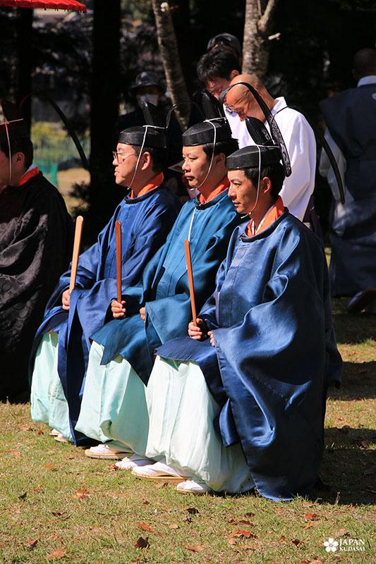 prêtres shinto