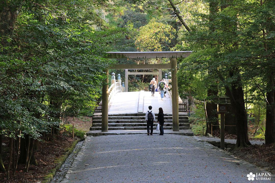 torii sanctuaire ise jingu préfecture de mie