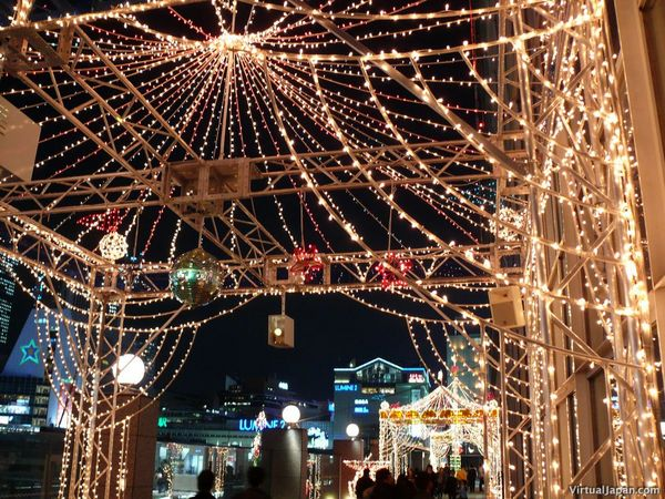 https://i2.wp.com/www.japanforum.com/gallery/data/523/medium/tokyo-christmas-2006-11.jpg