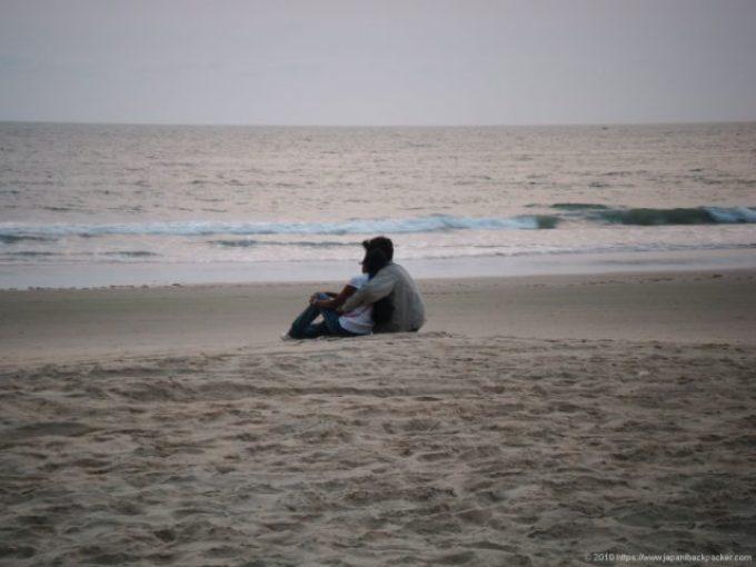 コヴァーラムビーチのカップル