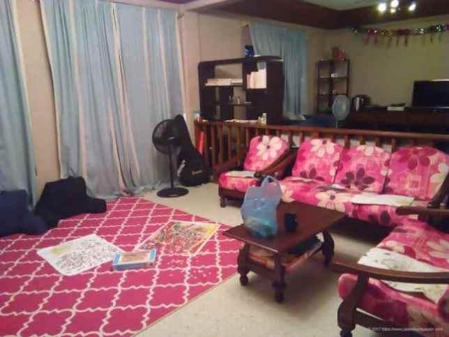 コロールのゲストハウスApo homeのリビング