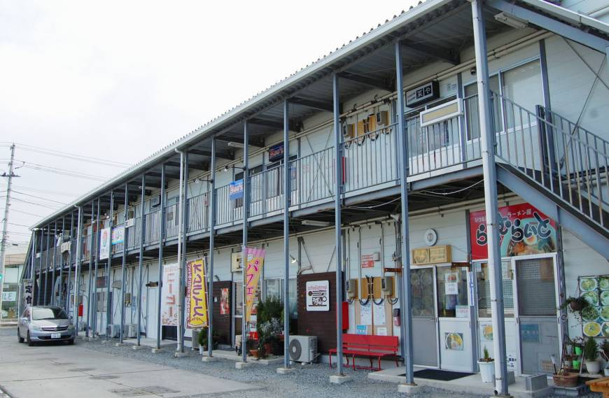 Tsunami-displaced Tohoku shops struggling to find solid footing